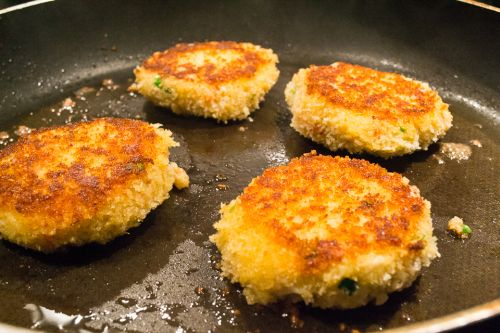 Traditional Newfoundland Crab Cakes Recipe